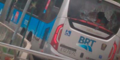 Rio: Consórcio BRT Rio repudia vandalismo em ônibus e estações durante o feriado