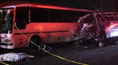 Acidente com três ônibus deixa 13 mortos no México