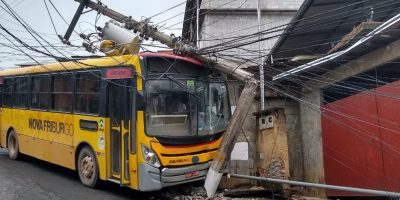RJ: Acidente com ônibus da FAOL deixa moradores sem energia nesta segunda-feira